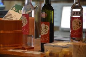 日本酒で仕込んだ梅酒、いちご酒
