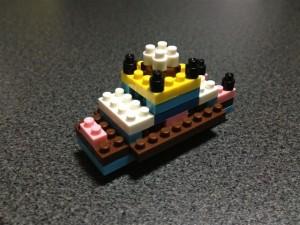 余ったブロックを用いて即興で船を作成