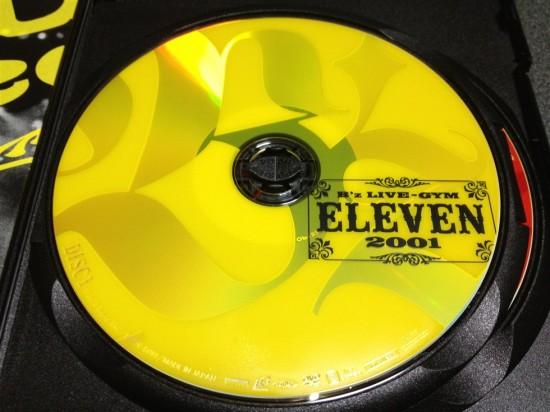 DISC1はパッケージと同じ黄色のレーベル