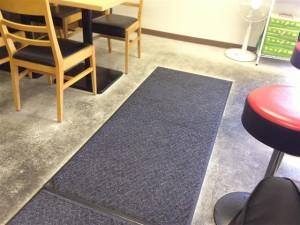 一二三家は床にマットが敷いてあるので安心