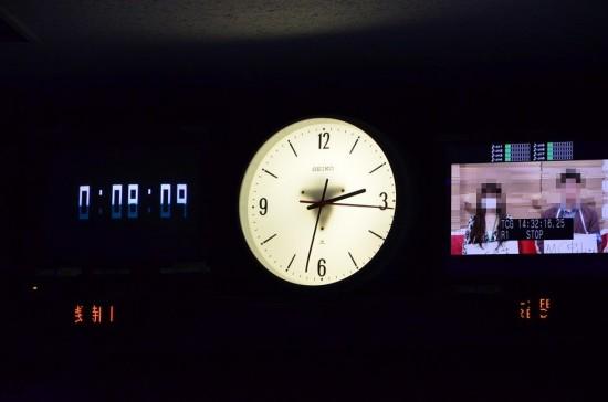 時間が正確に分かる大きめの針時計