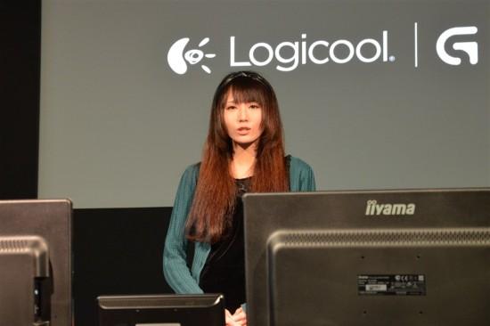 ファミ通ゲーマーエンジェル『青木志貴(あおきしき)』さんがG700sとG510sを使ってMMORPGを操作しながらレビュー