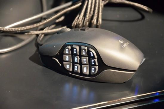 MMOゲーミングに最適化された20個のボタンを搭載した高性能ゲーミングマウス、G600r