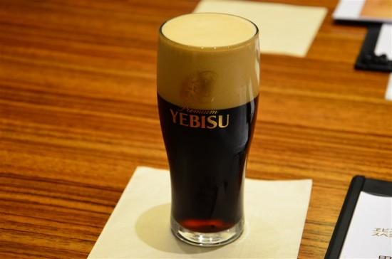これらのこだわりから生み出されるヱビスビールから『麦芽100%本格黒ビール』として誕生したのがこの『ヱビス プレミアムブラック』
