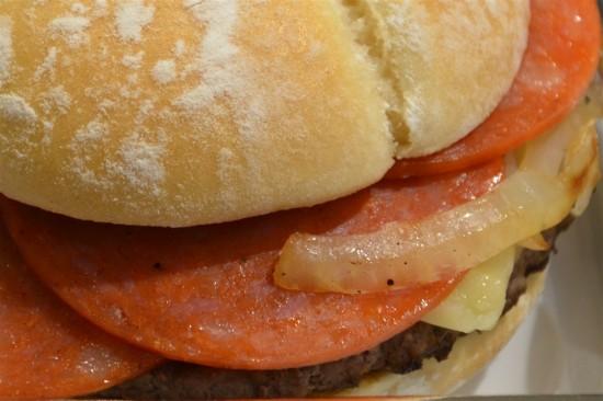 マクドナルドの『クォーターパウンダー ルビースパーク』先行試食レビュー