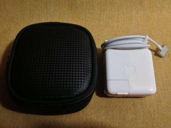 『IN-MACAD2BK』と『MagSafe Power Adapter(45W)』の比較