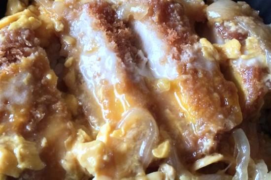 『ローソン亭 厚切りロースカツ丼』を食べてみた
