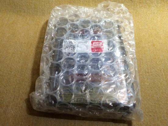 パッケージ内のWD Red本体はこの様にエアパッキンで包まれています