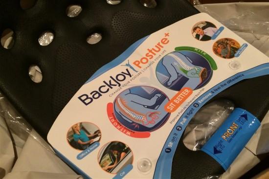 腰への負担を減らす『バックジョイプラス ポスチャークッション』を買ってみた