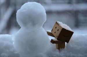 ダンボー、雪だるまを作る