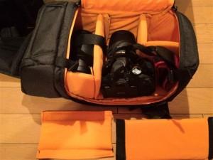 Amazonベーシック 一眼レフカメラ用スリングバッグのレイアウト変更