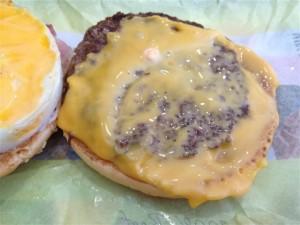 チェダーチーズとパティ
