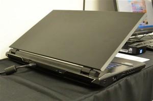 パワフルなゲーマー向けのドスパラノートPC『GM680M』レビュー