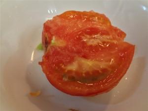 トマトを割ってみたところ