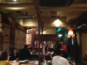 韓国料理 満月の店内