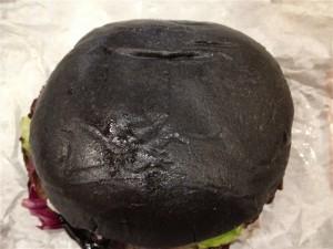 黒バーガーを上から見た図