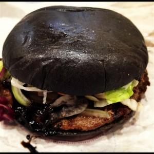 黒バーガーの感想